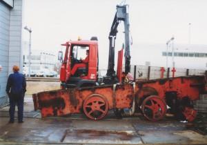 NS 162 wordt in febr 1999 van de wielen gelicht