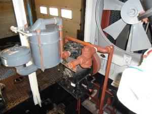 NS 162 luchtfilter aangesloten op de compressor