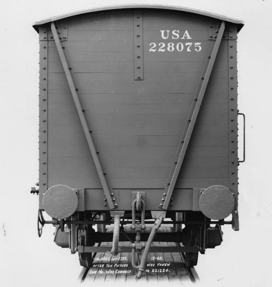 st-162-amerikaanse-goederenwagen-z-profielen-op-kopwand